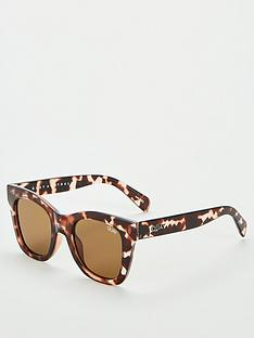 quay-australia-after-hours-wayfarer-sunglasses-tortoiseshell