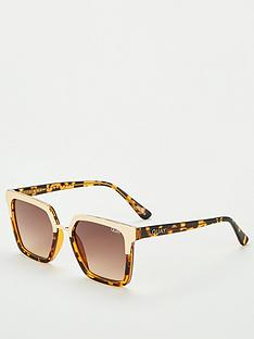 quay-australia-upgrade-wayfarer-sunglasses-tortoiseshell