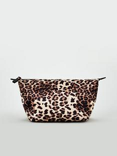 v-by-very-leopard-print-cosmetic-bag
