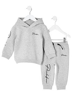 river-island-mini-mini-boys-prolific-hoodie-outfit-grey