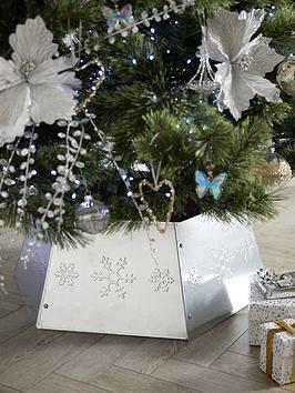 festive-hexagon-shaped-metal-christmas-tree-collar