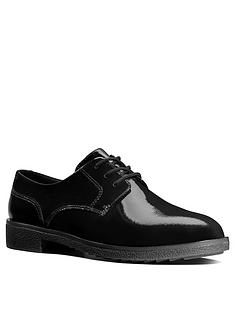 clarks-griffin-lane-brogues-black