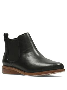clarks-taylor-shine-ankle-boot