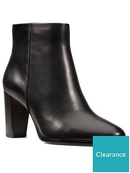 clarks-kaylin-fern-wide-fit-shoe-boot-black