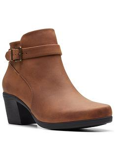 clarks-clarks-unstructured-un-lindel-lo-ankle-boot