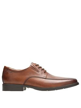 clarks-tilden-walk-shoes-tan