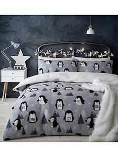 catherine-lansfield-cosy-penguin-fleece-christmas-duvet-cover-set