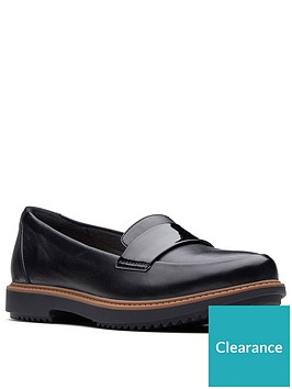 clarks-raisie-arlie-wide-fit-loafers-black