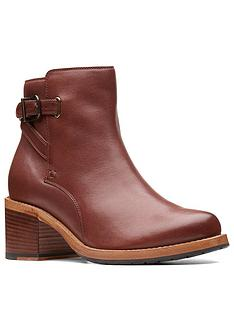clarks-clarkdale-jax-ankle-boot