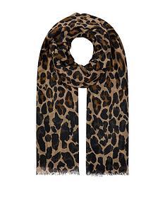 accessorize-retro-leopard-stole