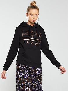 tommy-jeans-essential-logo-hoodienbsp--black