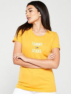tommy-jeans-square-logo-t-shirt-yellow