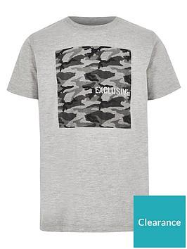 river-island-boys-camo-t-shirt-grey