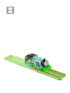 thomas-friends-thomas-friends-hyper-glow-trackmaster-engine-thomas