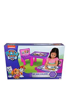 paw-patrol-girls-sit-and-colour