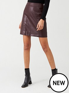 warehouse-seamed-detail-pu-a-line-mini-skirt-burgundy