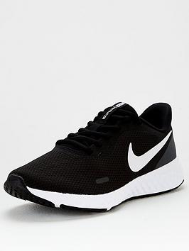 nike-revolution-5-blackwhite