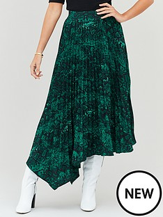michelle-keegan-pleated-asym-printed-skirt