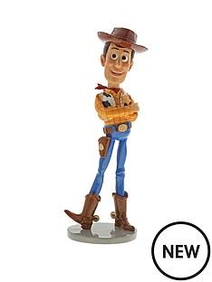 disney-showcase-toy-story-woody-figurine