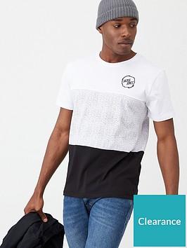 jack-jones-core-chamber-t-shirt-blackwhite