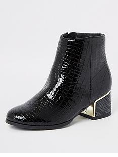 river-island-girls-patent-snake-print-boots-black