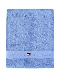 tommy-hilfiger-legend-towel