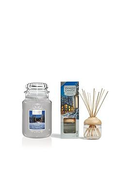 yankee-candle-candlelit-cabin-large-jar-candle-and-reed-diffuser-bundle
