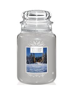 yankee-candle-classic-large-jar-candle-ndash-the-alpine-christmas-collection-candlelit-cabin