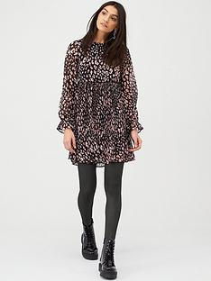 v-by-very-plisse-smock-dress-animal-print