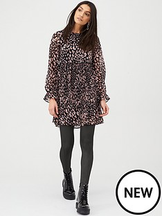 v-by-very-plisse-smock-dress-animal-print