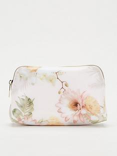 ted-baker-erlend-woodland-make-up-bag-pale-pink