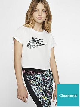 nike-sportswear-older-girls-cropped-graphic-futura-logo-t-shirt-white