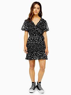 topshop-topshop-petite-ditsynbspruffle-mini-dress-black