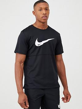 nike-breathe-run-graphic-swoosh-t-shirt-black