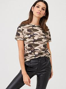 v-by-very-all-over-printed-camo-tee-camo