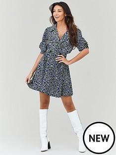michelle-keegan-button-detail-printed-tea-dress-blue-floralnbsp