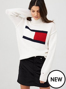 tommy-jeans-flag-sweater-white