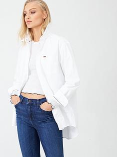tommy-jeans-classics-boyfriend-fit-shirt-white
