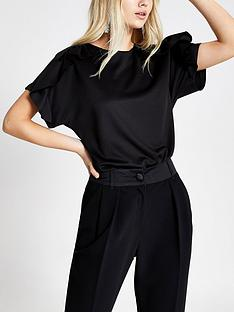 river-island-short-sleeved-frill-top