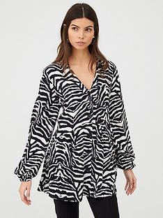 v-by-very-longline-button-through-blouse-mono-print
