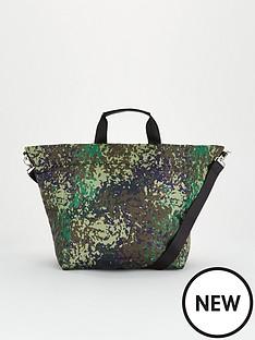 v-by-very-jinnie-nylon-tote-print