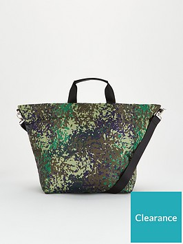 v-by-very-jinnie-nylon-tote-print