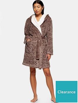 topshop-tiger-textured-short-robe-nude