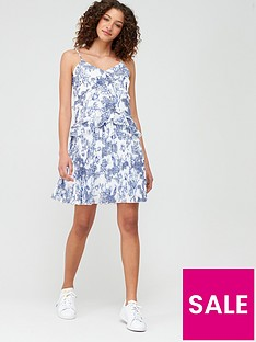v-by-very-pleated-toile-flippy-dress-print