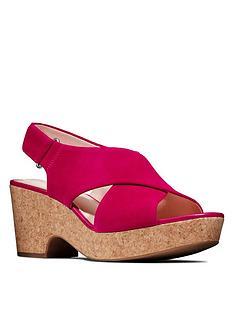 clarks-maritsa-lara-leather-wedge-sandal-fuchsia