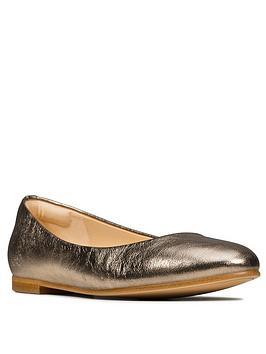 clarks-grace-piper-leather-ballerina-stone