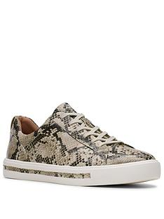 clarks-un-maui-lace-leather-trainer-natural-snake