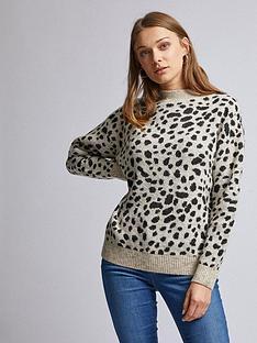 dorothy-perkins-cheetah-print-jumper-camel