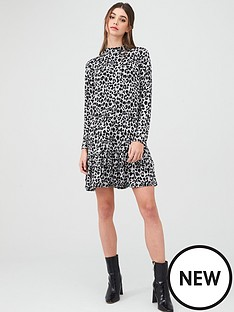 oasis-drop-waist-cosy-dress