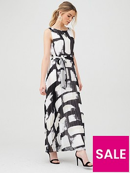 wallis-smudge-colourblock-pleated-maxi-dress-black